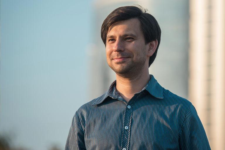 Дмитрий Акрамов