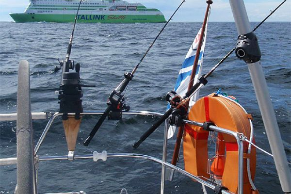 Морская рыбалка на яхте из Хельсинки